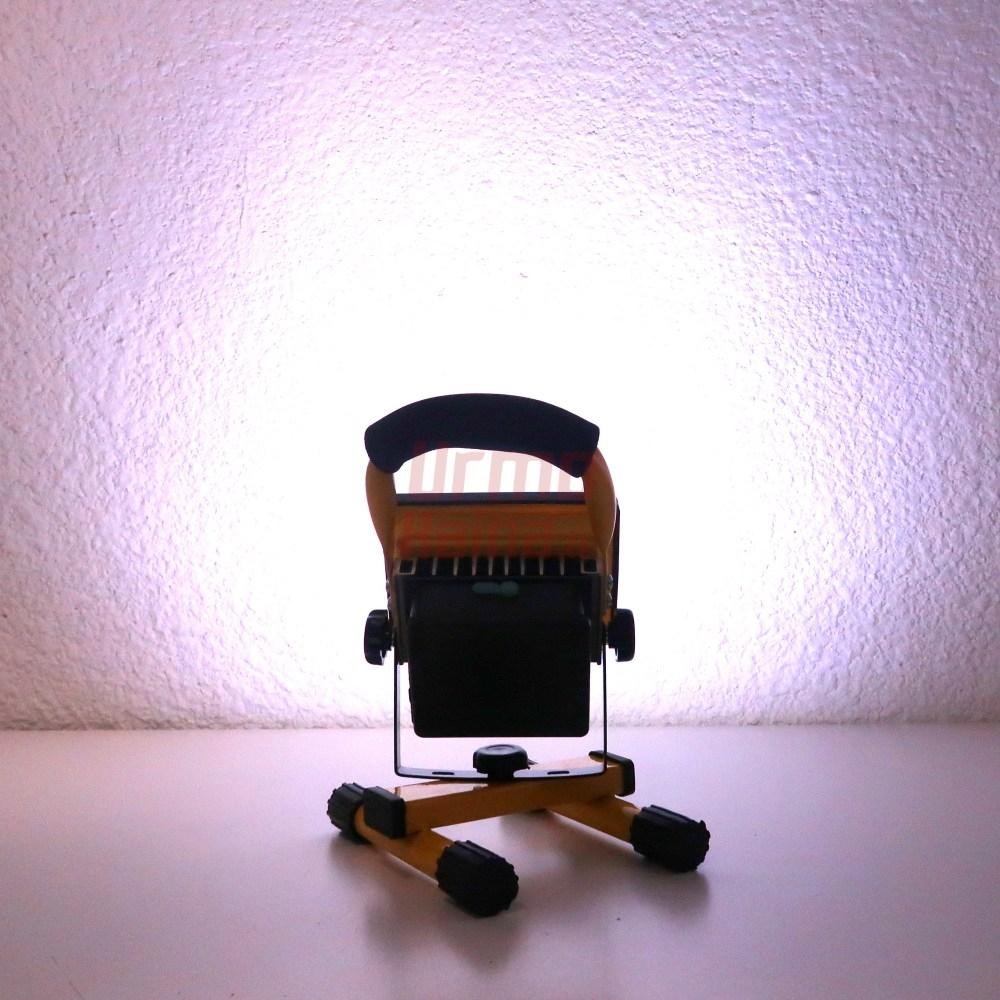 Pakraunamas pastatomas LED prožektorius S05